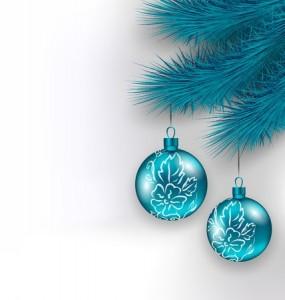 kerstballen blauw aan tak