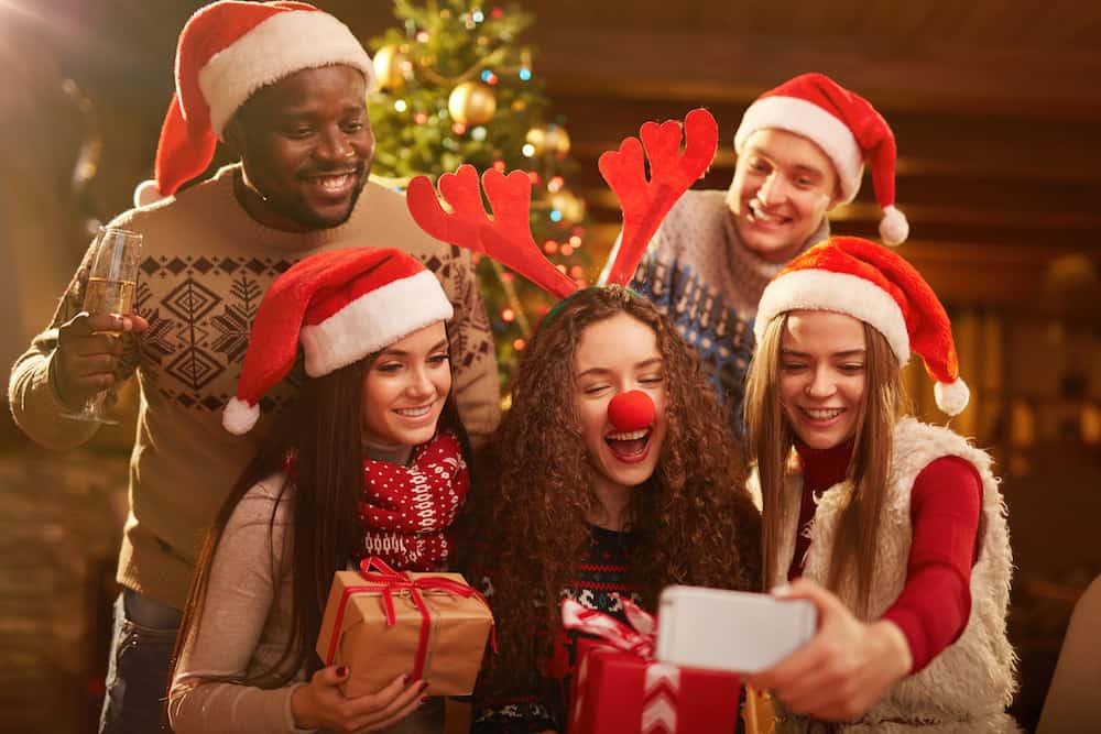 kerst met corona en vrienden en familie 2020